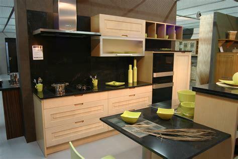 cuisine et bois cuisine noir laque et bois