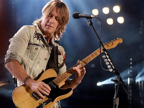 """Keith Urban Drops Dance-happy New Video For """"never Comin"""