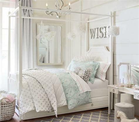 chambre à coucher originale chambre adulte originale en blanc et tons pastel ambiance