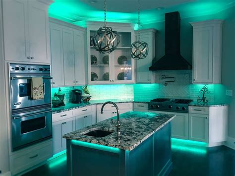 Kitchen Cabinet Accent Lighting Ideas by Best 25 Led Kitchen Lighting Ideas On Led