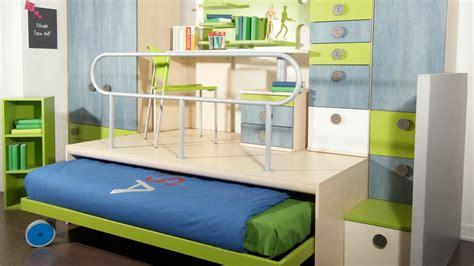 chambre estrade conforama le lit escamotable pour petits espaces