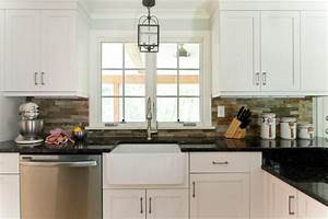 Farmhouse sink and pendant lighting kitchen