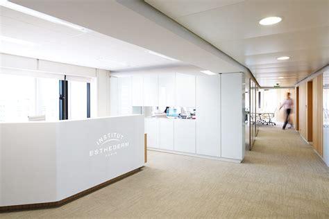 bureau d accueil tables de bureau et banque d 39 accueil esthederm
