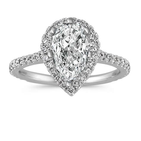 25 pear shaped engagement rings for the unique bride who