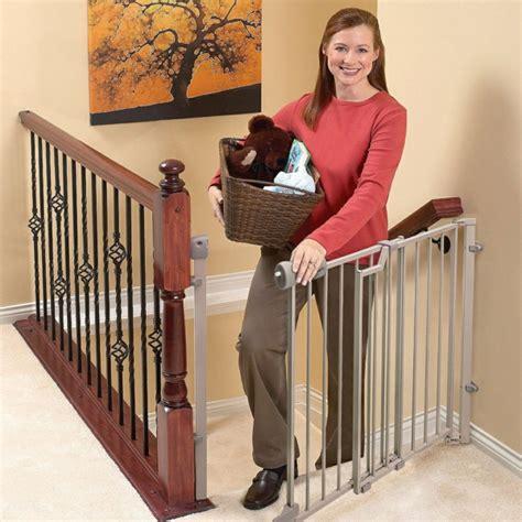 kindersicherung treppe treppenschutzgitter vermeiden gefährliche risiken für ihre kindern
