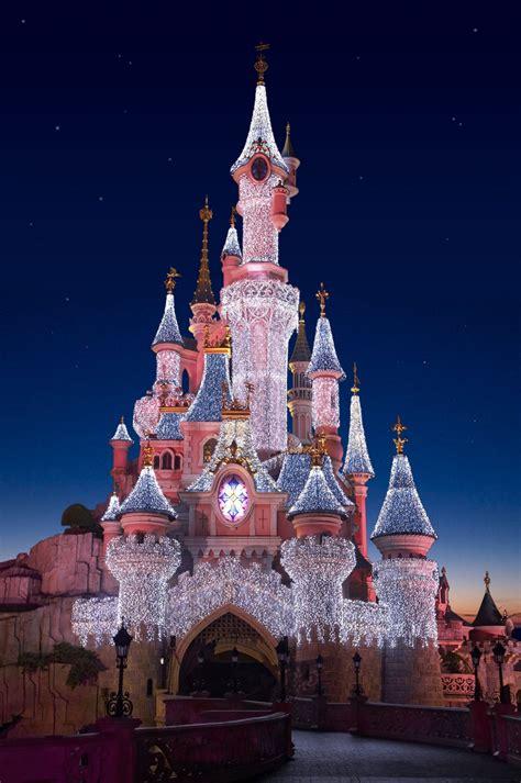 1000 Ideas About Disneyland Paris Christmas On Pinterest