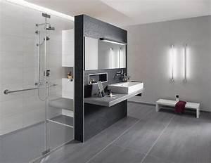 Badezimmer Grau Weiß : badezimmer fliesen grau wei beste haus und immobilien badezimmer pinterest badezimmer ~ Markanthonyermac.com Haus und Dekorationen