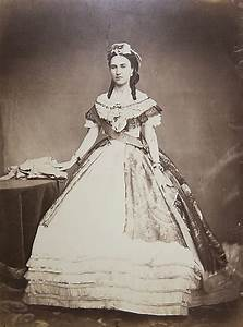 Gods and Foolish Grandeur: The madness of Empress Carlota ... Paranoid Schizophrenia