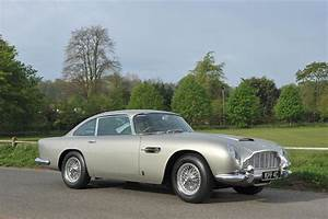 Aston Martin Db 5 : 10 aston martins you simply can 39 t live without ~ Medecine-chirurgie-esthetiques.com Avis de Voitures