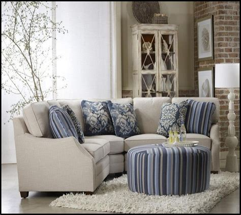 Sofa For Small Apartment by Best 25 Small Sectional Sofa Ideas On Small