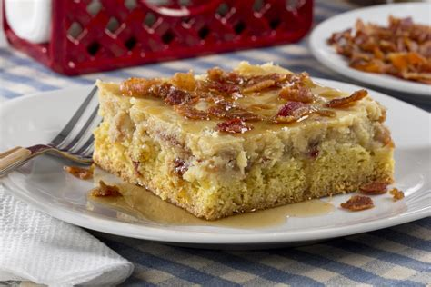 maple bacon ooey gooey butter cake mrfoodcom