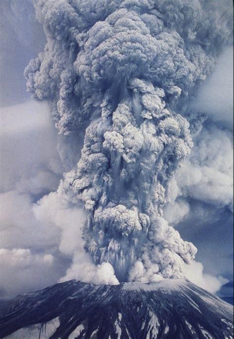 33 Years Later Volcano Brings World Travelers The Columbian