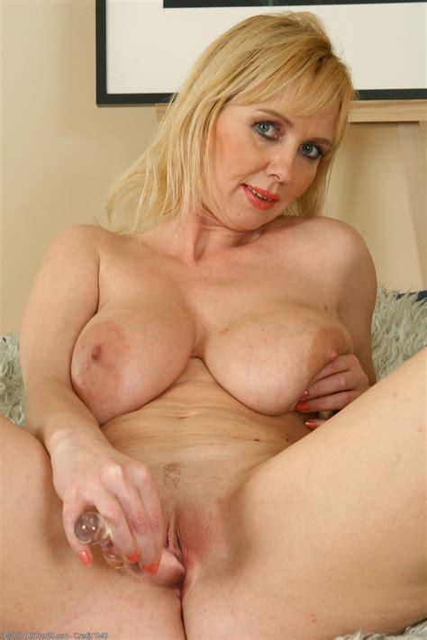 Mature Shaved Blonde Milf Tgp Gallery 100549