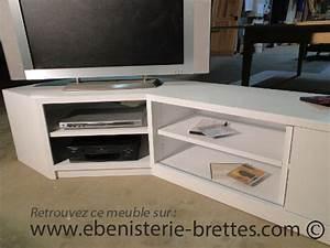 Meuble Tv D Angle Blanc : meuble tv design blanc en angle livr bidache au pays basque ebenisterie brettes ~ Teatrodelosmanantiales.com Idées de Décoration