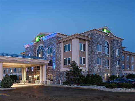 photos of 3825 saginaw mi inn express suites saginaw hotel reviews photos