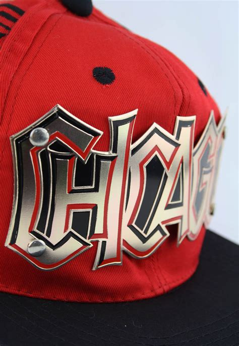vintage chicago bulls graffiti gold plate snapback hat