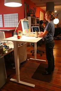 Standing Desk Shootout  Humanscale Float Table