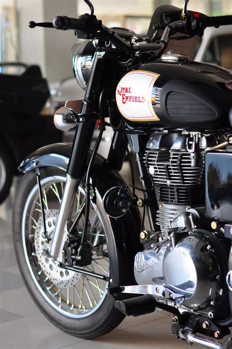 Royal Enfield Classic 350 Image by Royal Enfield Classic 350 Black Wallpaper Gallery