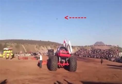 video de monster truck supuesto ovni en tragedia de monster truck video