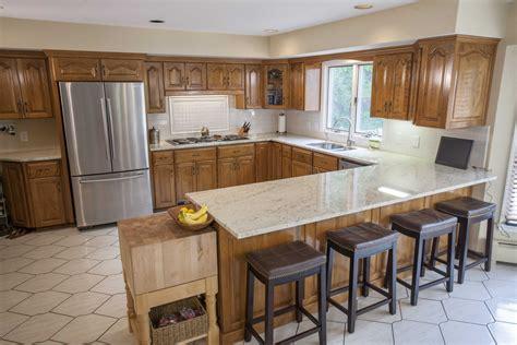 Light Colored Granite Countertops With White Cabinets