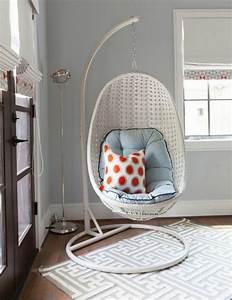 1001 modeles de balancoire d39interieur pour vous procurer With tapis de yoga avec canapé balancoire
