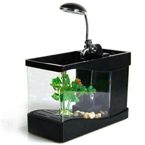 Aquarium ini memiliki bentuk yang unik layaknya block lego sehingga jika aquarium ini ditumpuk aquarium ini memiliki bentuk yang tidak terlalu besar sehingga dapat digunakan pada ruangan yang. Aquarium Unik Bentuk Mini Tinggal Colok USB | Harga-Jual.com