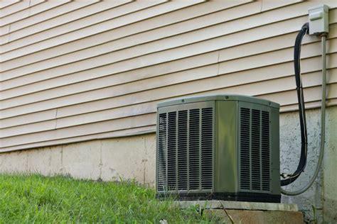 Klimaanlage Einfamilienhaus Nachrüsten by Problems With Outside Air Conditioning Condensers
