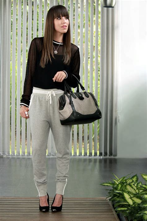 Pantalones u0026quot;joggersu0026quot; y camiseta de malla - Blog de Moda Costa Rica - Fashion Blog