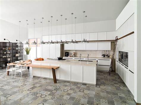porcelanosa cuisine cuisine blanc laqué nos astuces pour bien l 39 adopter
