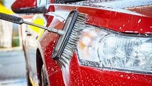 Comment Bien Nettoyer Sa Voiture : lavage auto comment bien entretenir sa carrosserie ~ Melissatoandfro.com Idées de Décoration