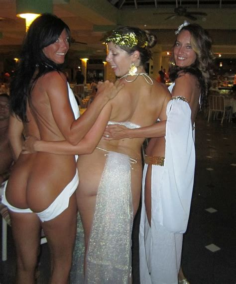 Hedonism Toga Party Bare Ass Wives 8 Swingers Blog