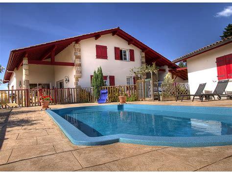 chambres d h es pays basque chambres d 39 hotes avec piscine et vue montagne au pays basque pays basque abritel