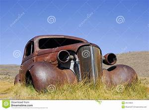 Carcasse De Voiture : voiture ancienne abandonn e images stock image 29470804 ~ Melissatoandfro.com Idées de Décoration