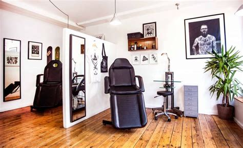 vagabondstudioright tattoo parlor tattoo studio