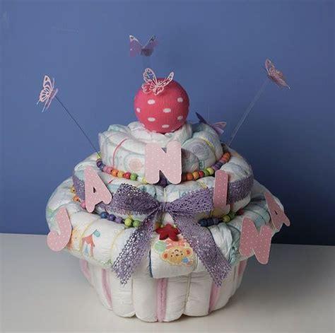 windeln zu verschenken lovelylittlebobbins baby shower ideas baby geschenke basteln windelkuchen und baby geschenke