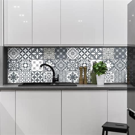 stickers carrelage carreaux de ciment 15 stickers carrelages azulejos nuance de gris tendance et design artistiques ambiance