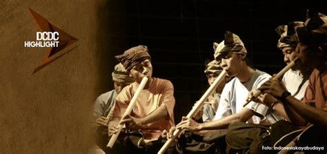 Fungsi alat musik tradisional berikutnya yakni sebagai sarana upacara budaya atau ritual. Musik Tradisional Sebagai Al | Artikel Musik Indie