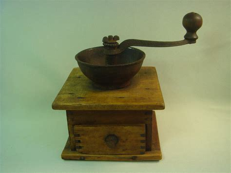 Antique Vintage Old Coffee Beans Grinder Working Wood Organic Coffee Wholesale Australia Jaycee Oak Table Roasters San Diego Green On Amazon Next Jay With 3 Drawers Ratings Victoria