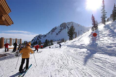 A Guide To Choose The Best Ski Resort In Collorado   Catholics Spirit
