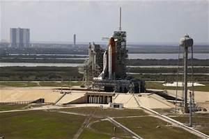 Spaceflight Now | Breaking News | SpaceX eyes shuttle ...