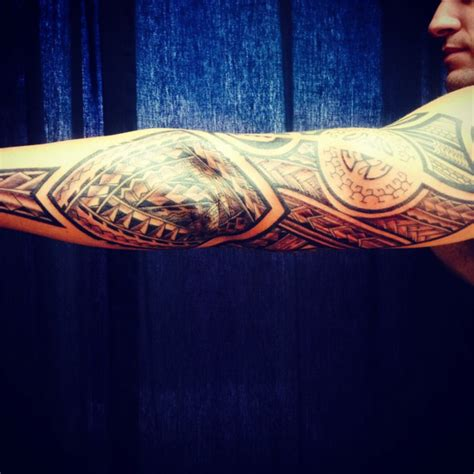 hand tapped tattoo