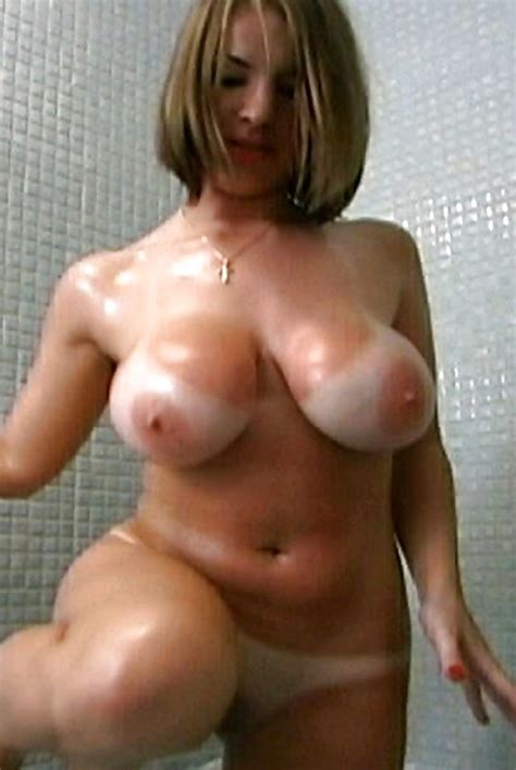 1861000 In Gallery Milf Tan Lines Picture 4