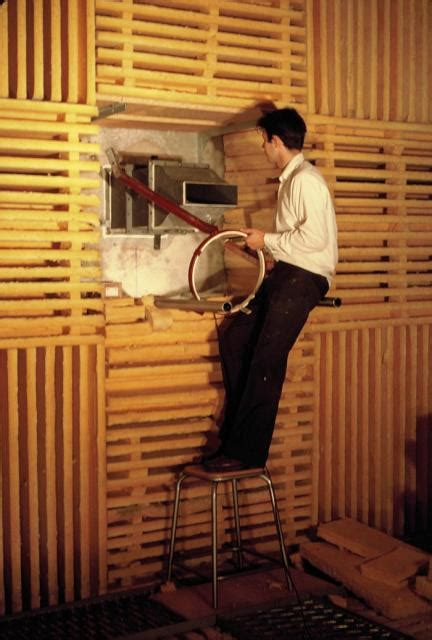 chambre sourde naissance et développement de la spécialité acoustique à l
