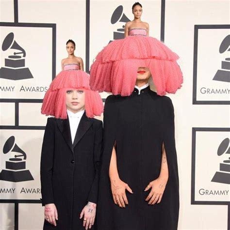 Grammy Memes - rihanna s grammys gown becomes an internet sensation
