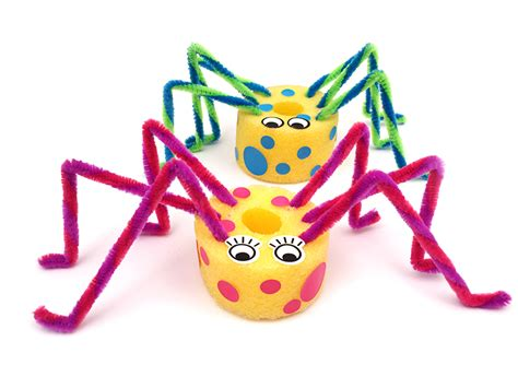 mollymoocrafts quick craft  kids pool noodle spiders