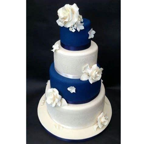 qu est ce qu une royale en cuisine les 25 meilleures idées de la catégorie gâteaux de mariage bleu sur gâteaux de