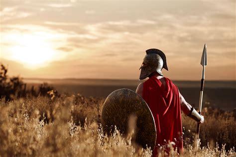 « mi chiamo massimo decimo meridio, comandante dell'esercito del nord, generale delle legioni fenix, servo leale dell'unico vero imperatore marco aurelio. Il Gladiatore: dopo 20 anni l'attesissimo sequel - Maxim Italia