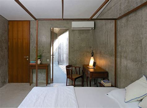 Retreat Made out of Wood and Concrete - InteriorZine