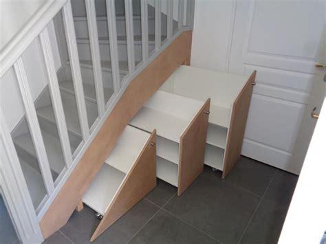 quoi mettre sous un escalier am 233 nagement sous escalier