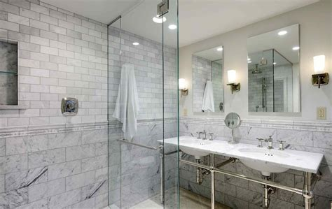 Subtle grey marbleite shower paired with bright white